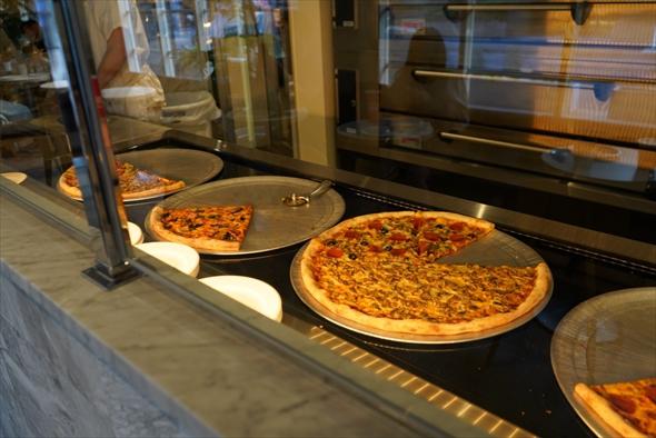 NYスタイルのピザ