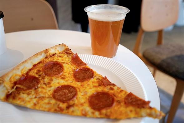 ピザとビールは抜群に美味しいです