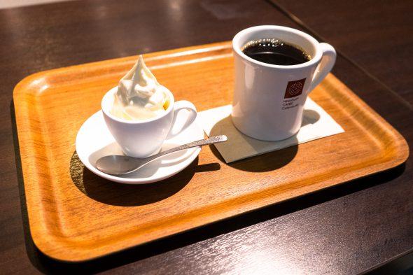 ミニソフトセット(520円)。ソフトクリームが食べやすいサイズになっています。